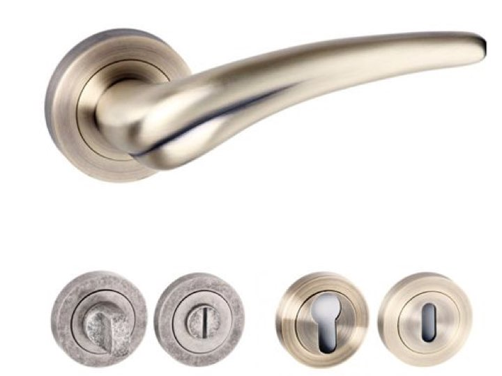 York Square Edge Lever Handles and Accessories Matt Antique Brass