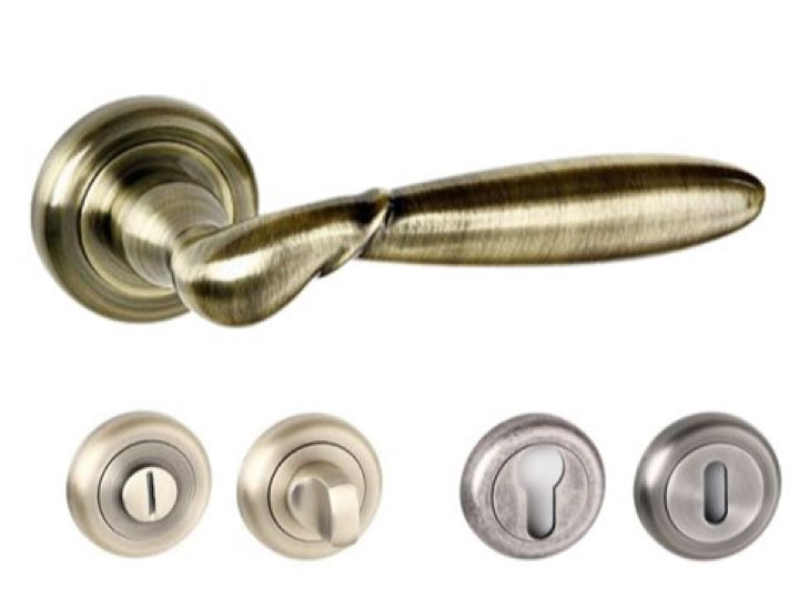 Rochester Radius Edge Lever Handles and Accessories Antique Brass