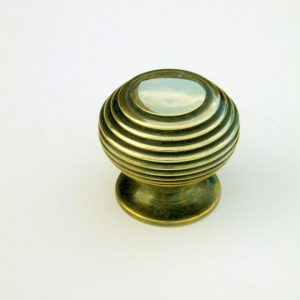 Small Beehive Cupboard Knob